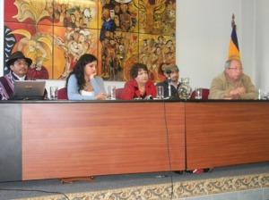 Delfin Tenesaca (ECUADRUNARI - Mov. Indígena), Rosana Alvarado (Alianza País - Gobierno), Eloy Alafro (Universidad Salesiana), Rubén Bravo (Universidad Salesiana)